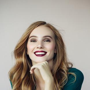 Schönheit in Glam Make-up
