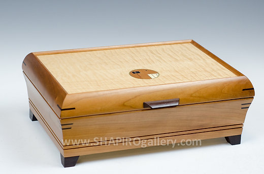 SHAPIROS St Petersburg Hyde Park Village Jewelry Box with Legs