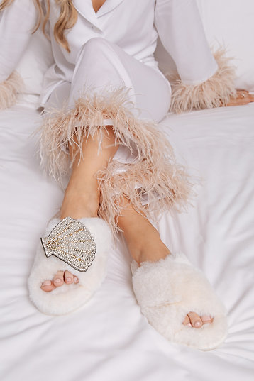 Laines Cloud Cream Slippers with Deluxe Artisan Shell Brooch