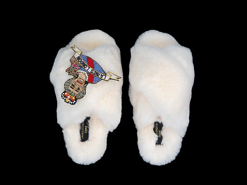 Laines Luxe Fluffy Cream Slippers With Deluxe Queen Brooch
