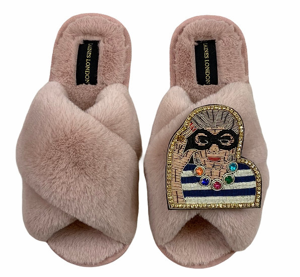 Classic Laines Slippers with Deluxe Fashion Icon Brooch