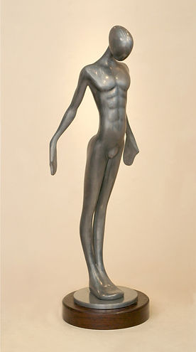 standing-tall-sculpture-contemporary-fig