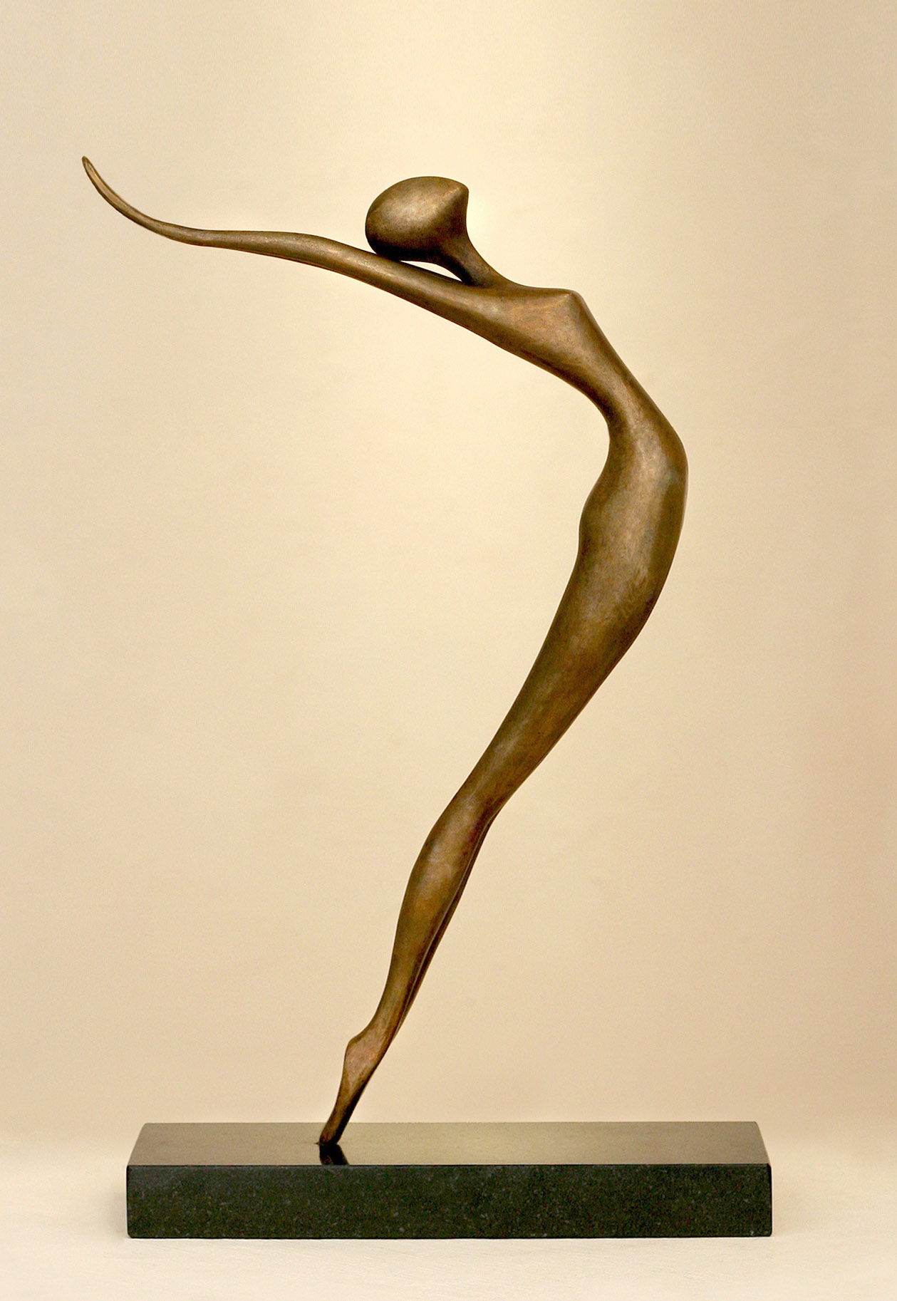 Reaching Back, Sculpture bronze