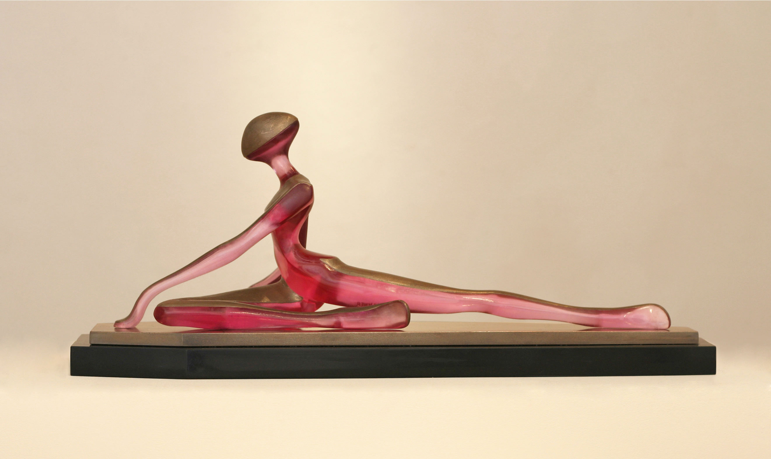 Poise ballet dancer sculpture