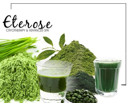 Wheatgrass, espirulina, chlorella, colágeno hidrolizado y té verde: Cinco alimentos con superpoderes