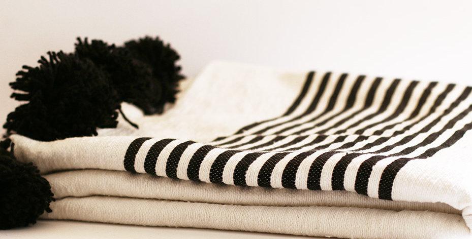 Pompon Decke - Baumwolle - weiß/schwarz - 200x300cm