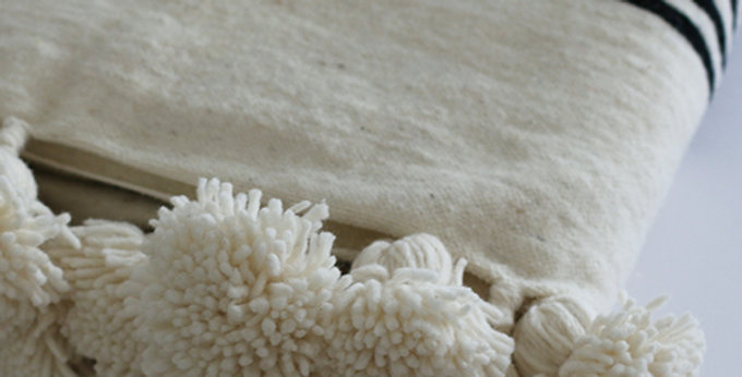 Pompon Decke - naturweiß/schwarz - 200x295cm