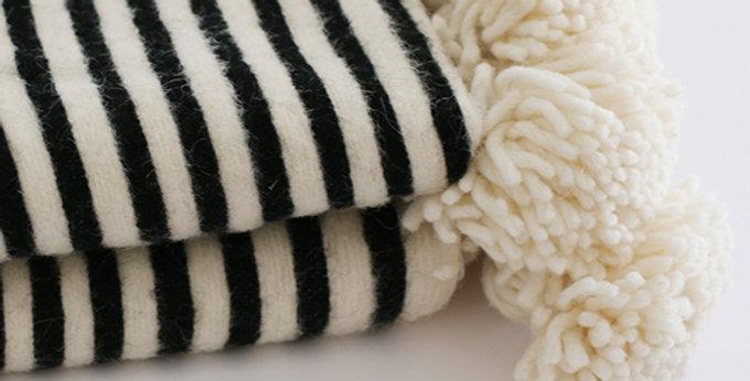 Pompon Decke - naturweiß/schwarz - 120x150cm