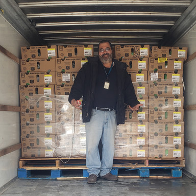 Art ready to unload 350 Turkeys.jpg