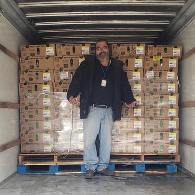 Art ready to unload 350 Turkeys.jpg