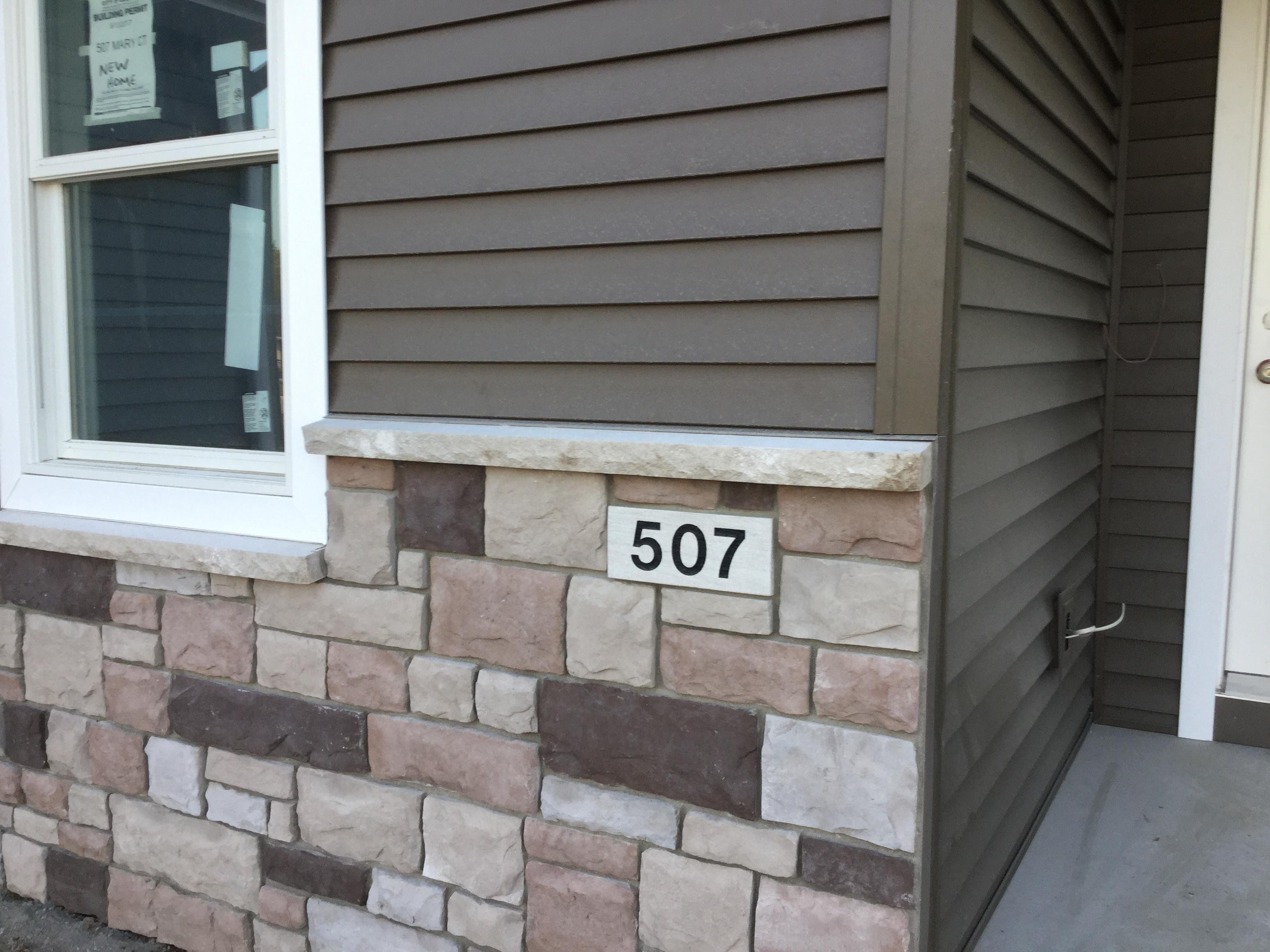 507 Mary Ct, Goshen