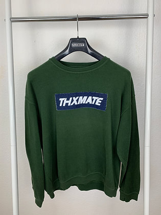 "THXMATE ""Denim Logo"" Sweater Waldgrün"