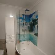 Bath/shower splashback