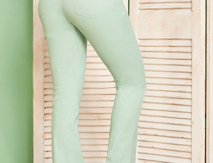 Pantalón básico bota recta