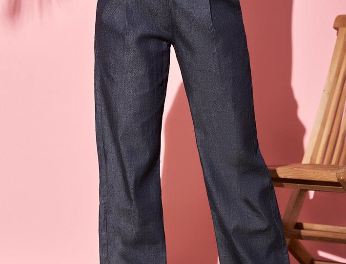 Pantalón Wide Leg  con pliegues en frente