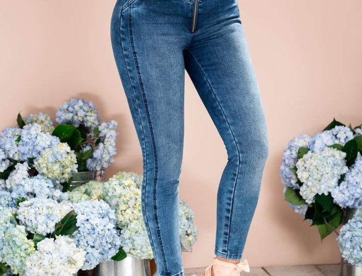 Jean skinny  sin bolsillos con cierre en frente