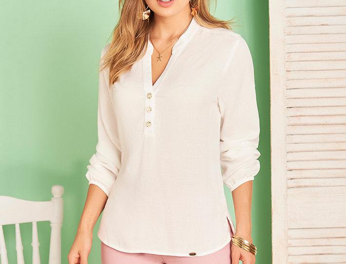 Camisa manga larga con botones decorativos