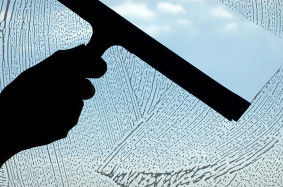 glass_window_cleaning