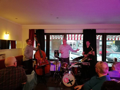 Oliver Strauch Trio im Café de Paris Saarbrücken