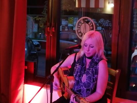 Michelle Nadia im Café de Paris Saarbrücken