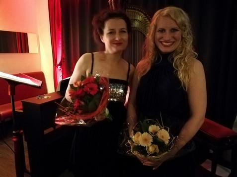 Victoria Kunze und Natalia Malkova im Café de Paris Saarbrücken