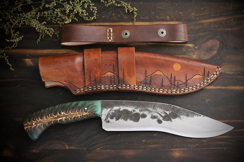 Mid Size Curved Blade With Mountain Tree Sheath