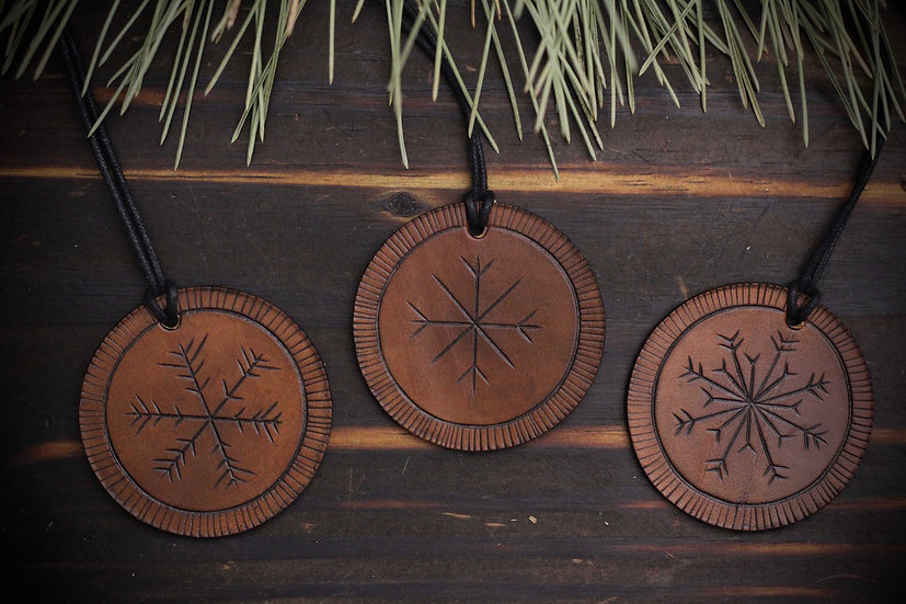 3-Pack Handmade Leather Decorative Ornaments - Snowflakes