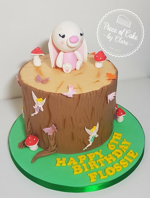 Wildlife themed cake
