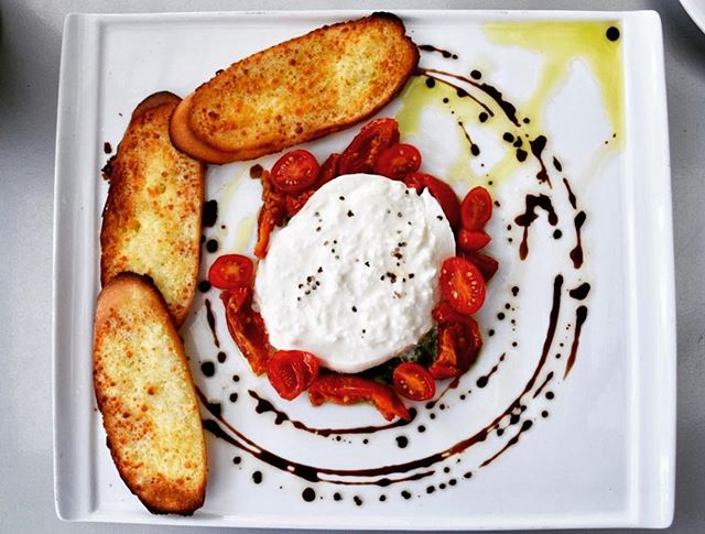 Bubbly. Brunch. Burrata.