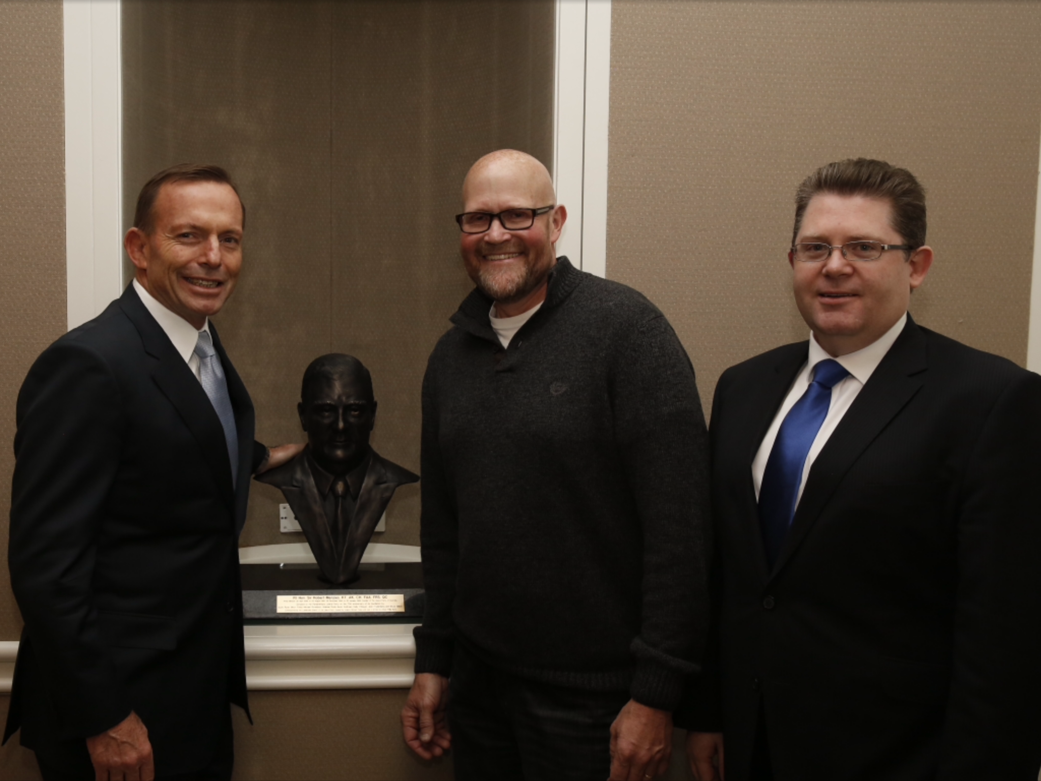 Richard with Prime Minister & Bronze