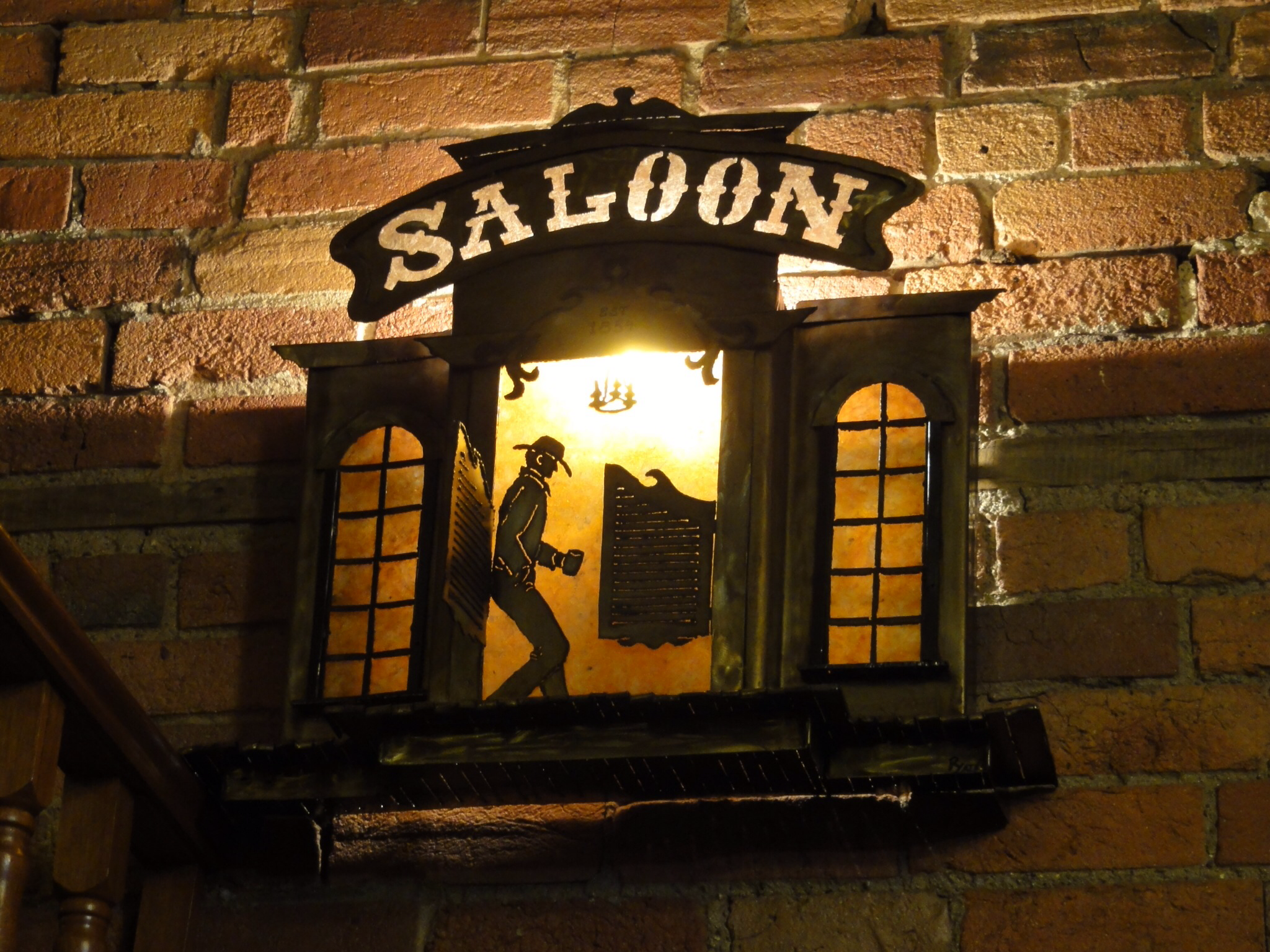 SALOON WALL LIGHT