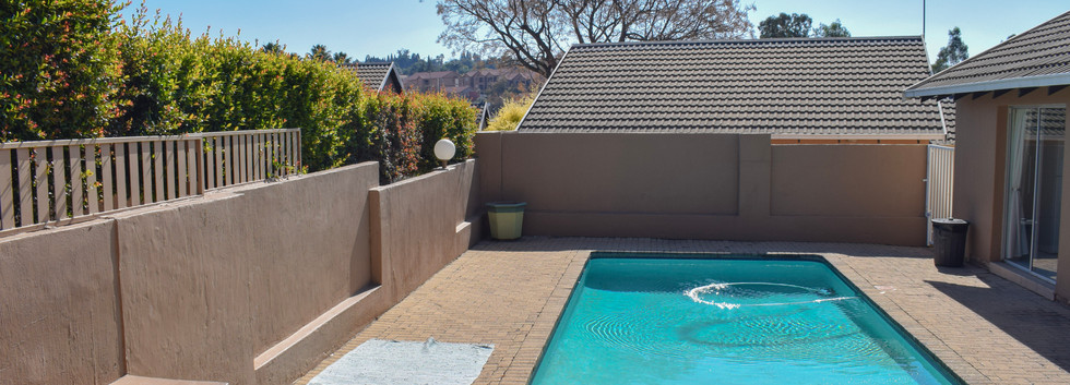 Cottonwood Lane pool.jpg
