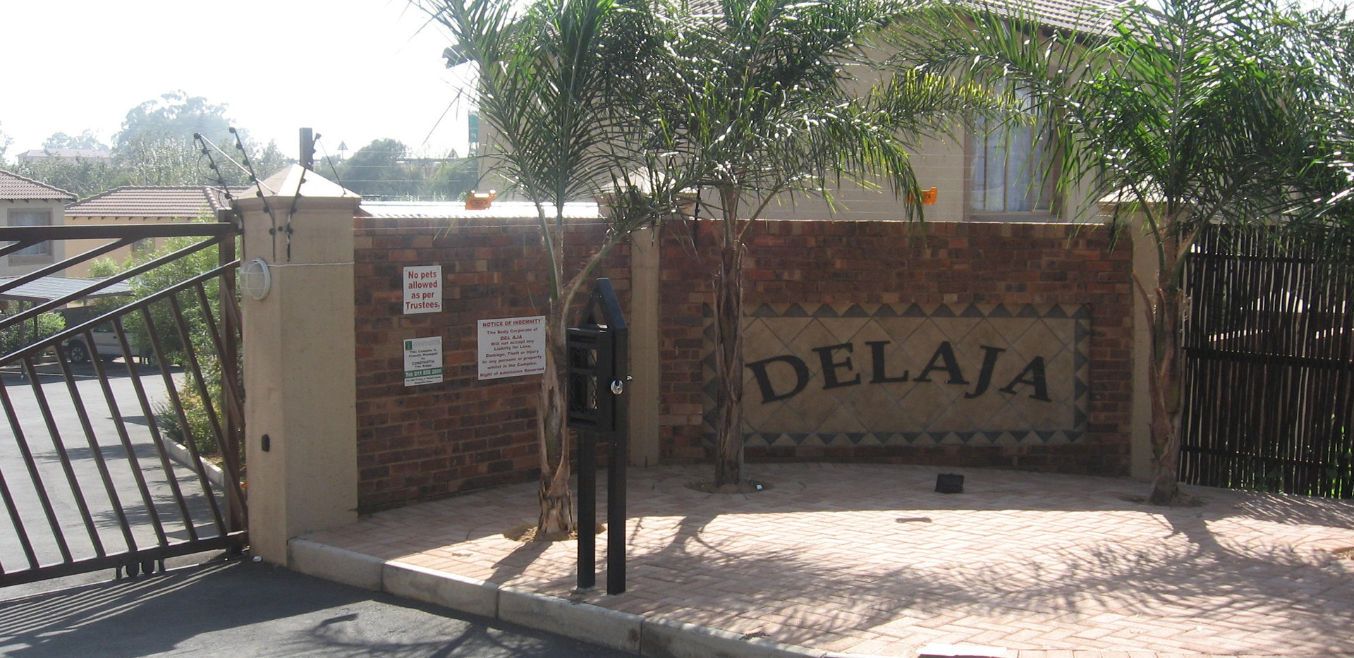 Delaja Gate