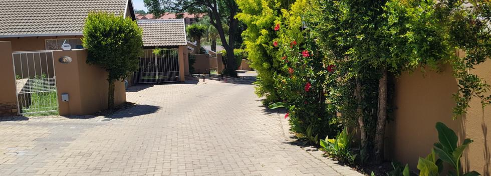 Cottonwood Lane Gate