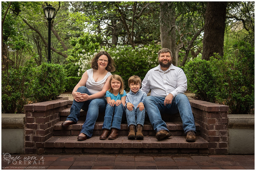 Family session Lace House columbia spring blue green mom dad kids children siblings steps bricks