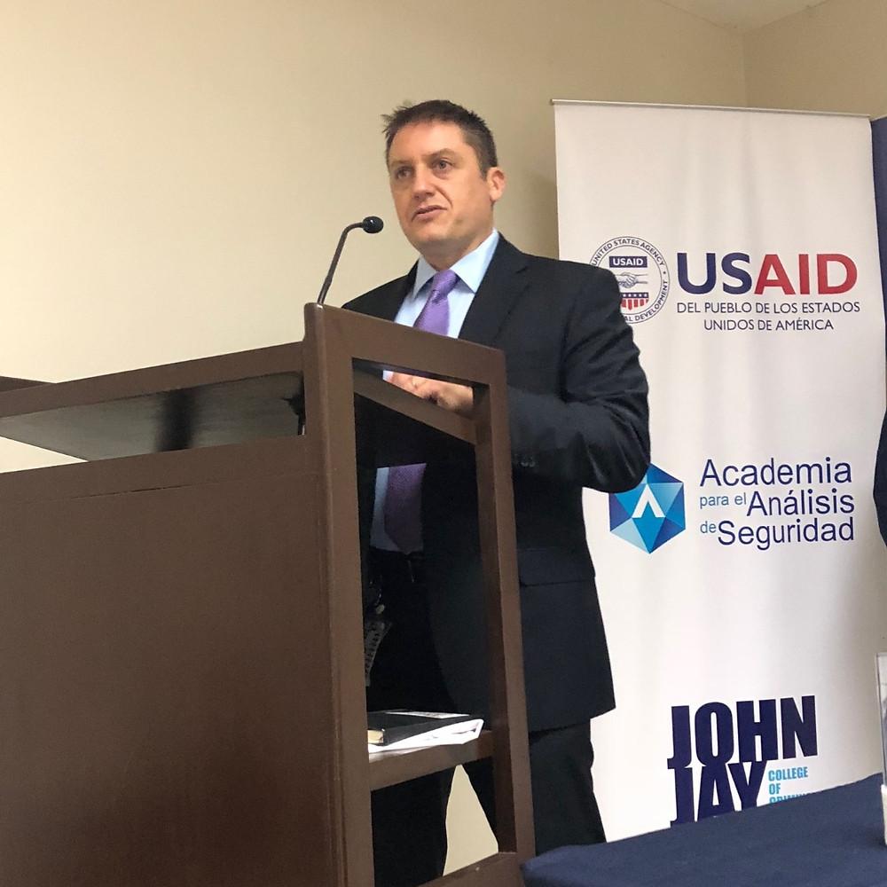 Trevor Hublin, representante de USAID para El Salvador.