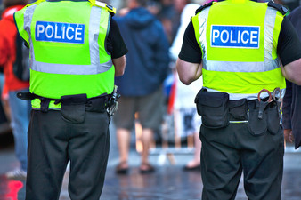 Patrullaje 'Suave' en Puntos Calientes de Crimen: Funcionan los Oficiales de Apoyo Comunitar