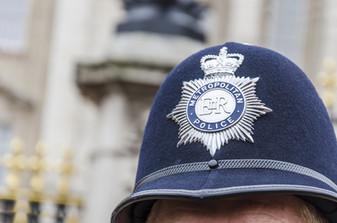 Influyendo la Confianza en la Policía Metropolitana de Londres: Resultados de un Experimento de Foll