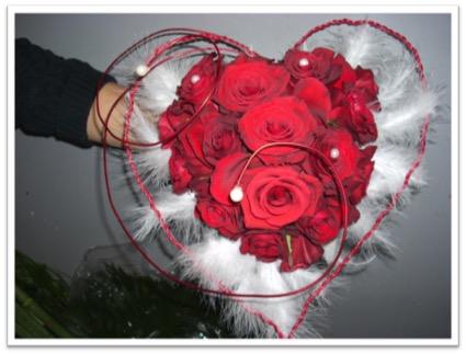 Bouquet_mariée_coeur_roses_rouges