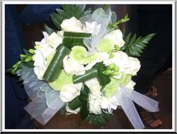 Bouquet_mariée_roses_blanches