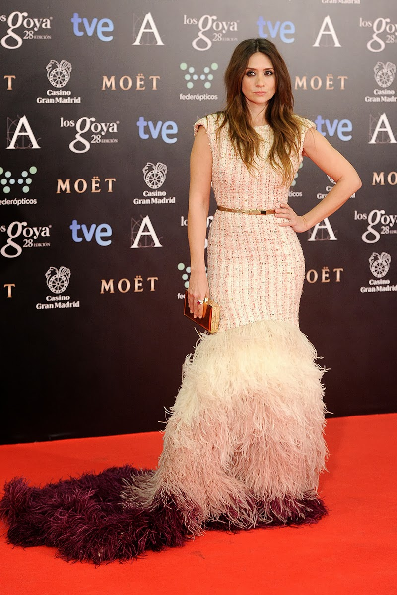 Ostrich feathers dress