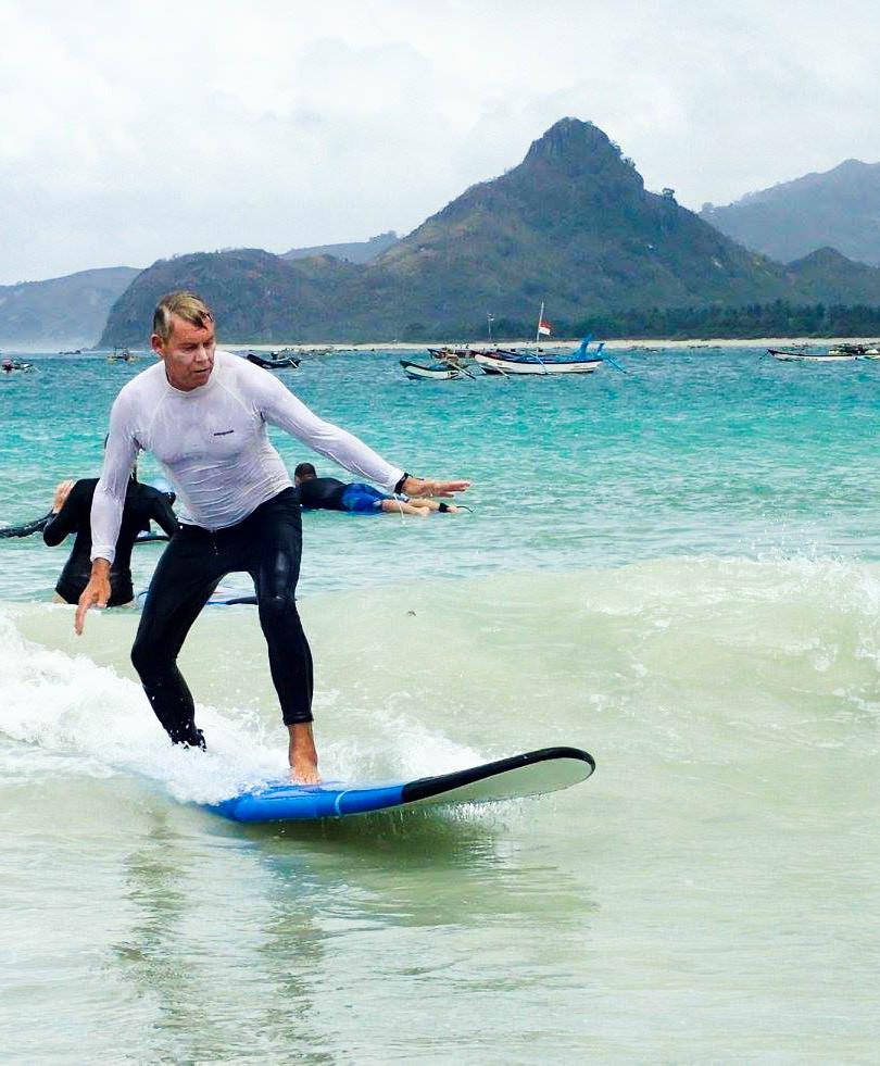 Jon surf in Selong Belanak