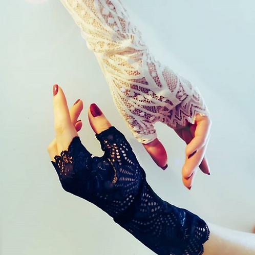 Mitaine, noire, blanc, dentelle de calais, noir, Angela Ruiz lingerie, Boutique Les créateurs de saison, Paris