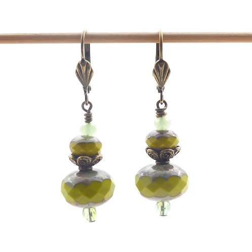Jewelry, Earrings, green pearl of Bohemia, brass leverback, E-shop, The Right to Be Happy, Paris