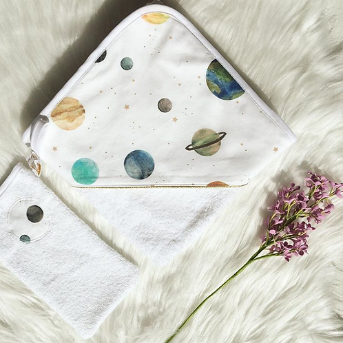 Cape de bain motif planète, coton bio, terre, vénus, saturne, Une touche de magie, Boutique Les créateurs de saison, Paris