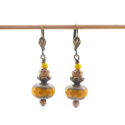 Jewelry, Earrings, yellow pearl of Bohemia, brass leverback, E-shop, The Right to Be Happy, Paris