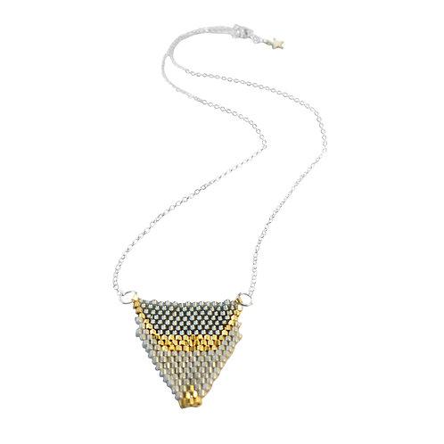 Bijou, Collier Rosaline, chaîne en argent, tissage perles Miyuki, gris, Boutique Le Droit à la Belle Vie, Paris
