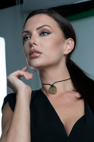 Roundel Alondra Necklace, Nature Collection, Leaves