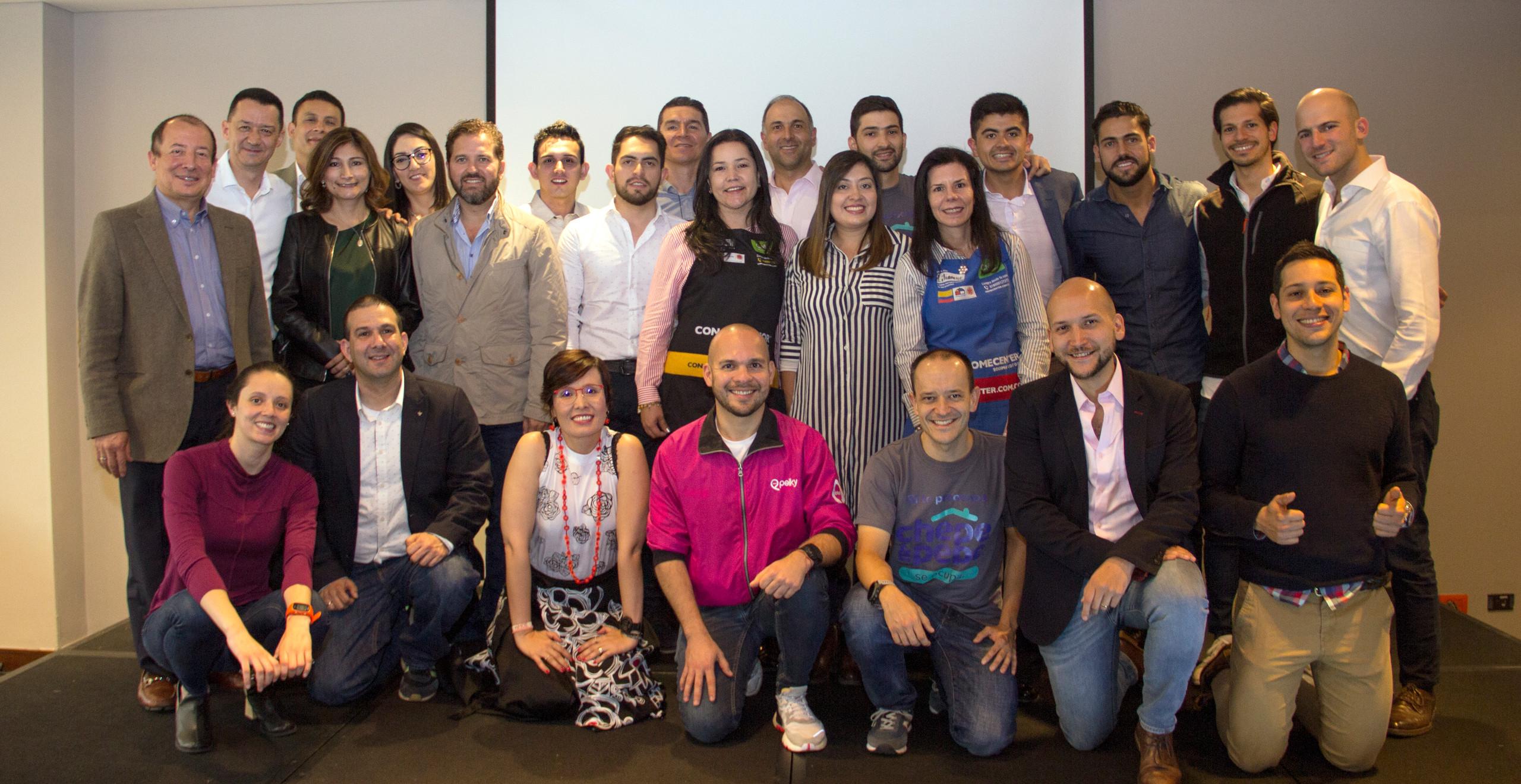 Los emprendedores del 3er ciclo de la Aceleradora y algunos de sus mentores