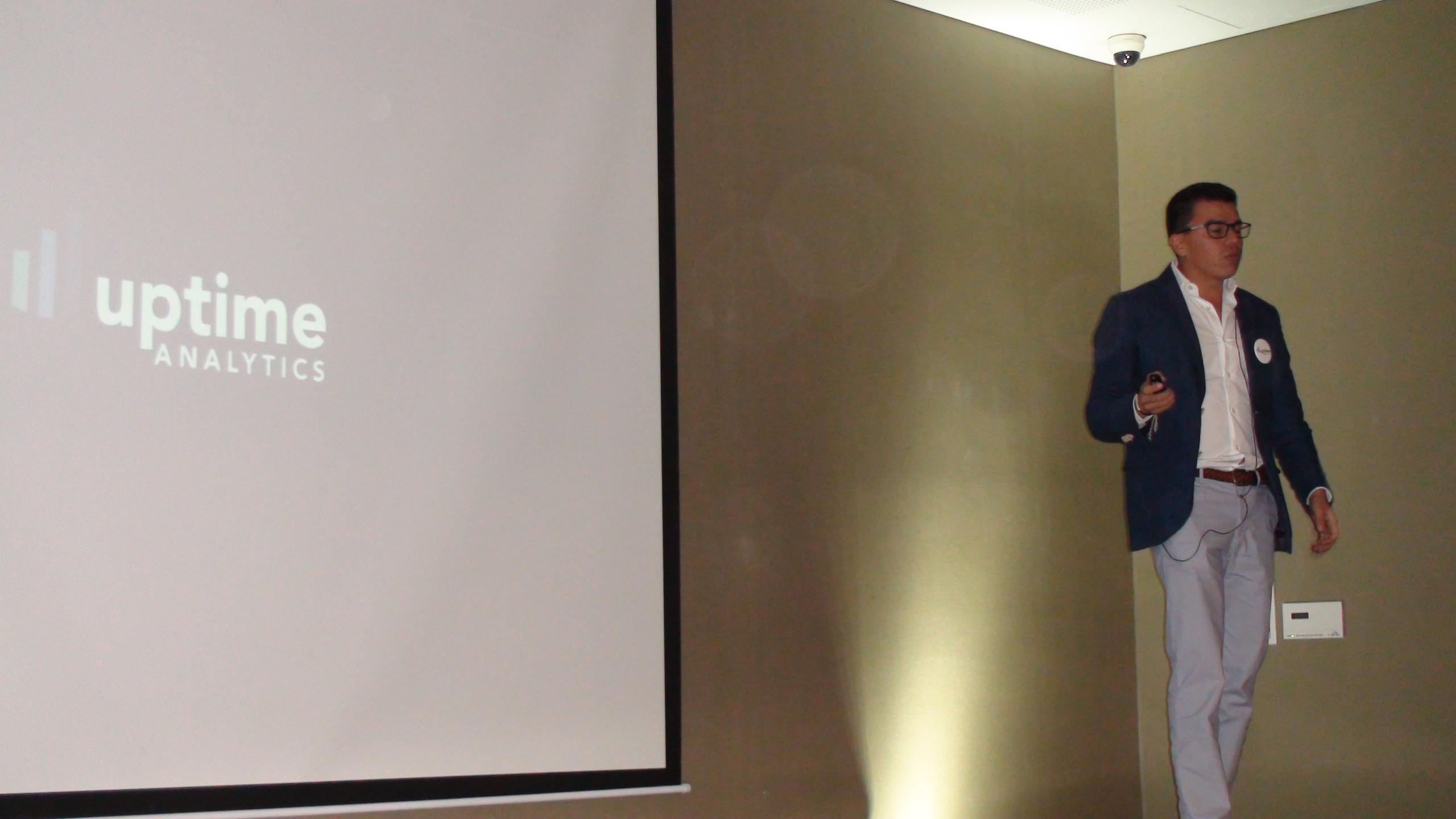 Oscar Hoyos, CEO de Uptime Analytics, explica lo que hicieron para resolver el reto de Eficiencia Energética de Corona